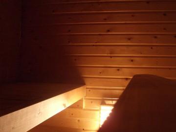 10 Dinge, die man sich in der Sauna verkneifen sollte