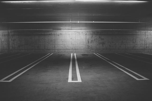 parking deck 438415 640 Die Sache mit den Montagen